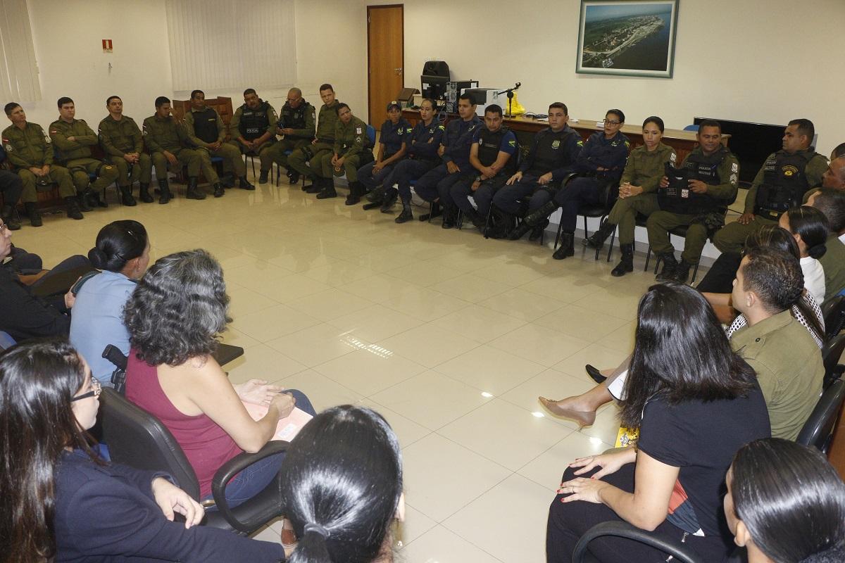 GUARDA MUNICIPAL PARTICIPA DE CAPACITAÇÃO SOBRE VIOLÊNCIA DOMÉSTICA